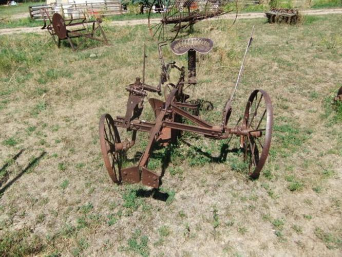 CAST IRON Seat John Deere Plow and Tractor Pull Plows