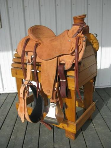 CLASSIC WADE COWBOY SADDLE BRAND NEW ROPING ROPER TRAIL SPECIAL
