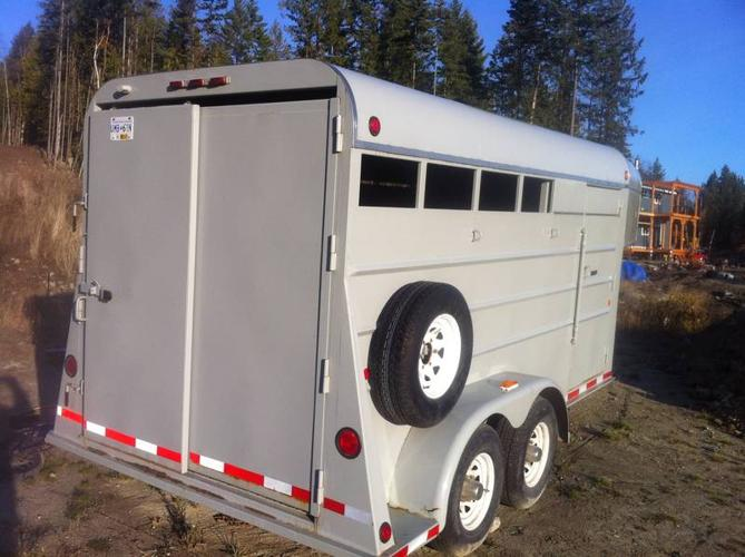 Dex Gooseneck Horse Trailer