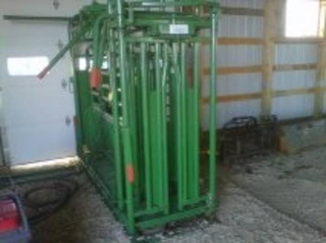 Morand Cattle Handling System with dual catch squeeze with scale