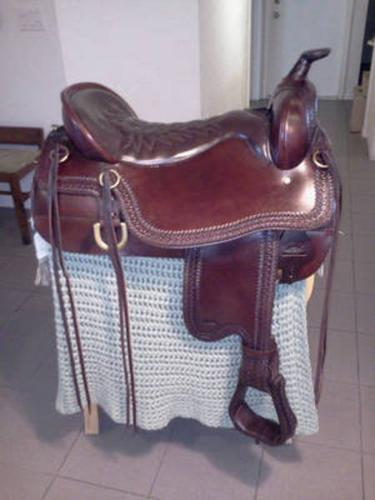 TUCKER CHEYENNE TRAIL SADDLE IN EXCELLENT NEW CONDITION!