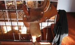 """14"""" Western Rawhide Barrel saddle. 6.5 gullet. In very good condition and fits most horses. Very comfortable! Make a great starter saddle. 250-308-2561 $500 OBO"""