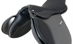 17? synthetic english saddle Maxam brand Comes with girth, stirrups and stirrup leathers Has a small tear in the cantal *picture is off the internet but it is the exact same saddle