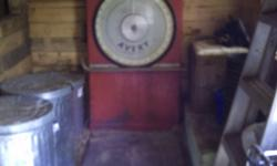 Selling Avery Scales, large freestanding type used by fish plants,wharehouses etc. Weights items to 300LBS.