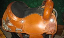 """17"""" Billy Cook show saddle for sale in excellent condition. located in Campbellford"""