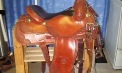 like new billy cook saddle. 16 '' seat high cantel. beast collar and rigging included. beautiful saddle