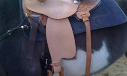 "Located in Middleton, selling a brand new barrel saddle. 15.5"" seat, it is really a beautiful comfortable saddles. Come check it out, it's a great deal."