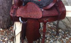 "Beautiful Vintage 15.5"" Red Ranger saddle. Fully tooled, all leather. About 40 yrs old, in excellent condition with no marks. Very well looked after. Has 7.5"" gullet, solid horn & tree. Well made saddle, made to last. Has #918 on back. All original except"