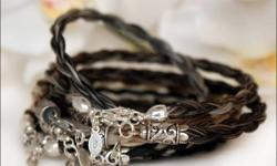 Cricket & Blue offers a beautiful collection of custom handmade horse hair jewellery for the horse- and fashion-lover alike. Unlike many horse hair bracelet companies, Cricket & Blue uses only the finest .925 sterling silver hardware in order to ensure