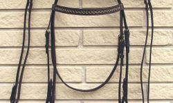 English Leather Horse Show BridleDark Leather Tack Gold Bit Style Browband + Matching Reins Retail Price in Tack Stores: $139 Buy it here now for $39 English Show BridleDark Brown Leather plus Matching Reins Here are the details: NEW Western Show Bridle