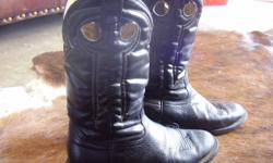 I have Boots Men & Womens sz.8, 9 men sz 7 ladies. Justin Fat babies & Ropers. I have Hats Mens & Womens I have shirts & blouses Mens & Womens sz med in both Mens & Ladies. Prices range from $10.00-250.00.