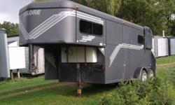 1998 Crowne 2 horse straight load gooseneck trailer with tackroom.