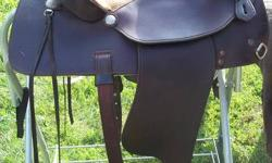 """15"""" Seat, Semi QH Bars, real leather, comfortable, great condition, light weight, very beautiful saddle, comes with the front and back cinch with hoof pick keeper on it. Super nice saddle and an awesome price! $425"""
