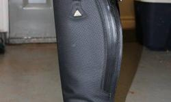 I have for sale a pair of like new Mountain Horse Ice High Rider II's for sale.  They are size 9 wide. These boots are extremely warm in the winter and I only wore these maybe a dozen times last winter and they have very little wear on them (as you can
