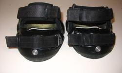 Size 00 renagade hoof boots like new condition.  $125.00   403 886 5359