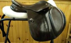 Santa Cruz 15'' Dark Havana CC Saddle -Great saddle for the price and comes with original saddle cover - Amazing condition - Very comfortable - Granddaughter only used for two show seasons, but has sadly outgrown -Comes with leathers, irons and saddle