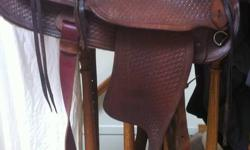 I have a simco 15 inch seat western saddle, older but good used condition, lightweight with comfortable padded seat, excellent youth or lady saddle, it is a narrow fit more suited to TB   I can meet in sherwood park, south ed or you can pick up eveinings,