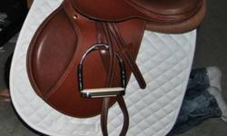 """17.5"""" Val du Bois Close Contact Saddle $400 Great Condition BASIC NEW Was bought April 2011 so still a fairly new saddle. Saddle was normally $800 when first bought. But No longer fits My 16.3 Horse (to small for him and ) The stirrup irons and bridle are"""
