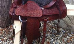 """~Christmas Specail~ $1,000 free shipping Gorgeous vintage 15"""" Red Ranger saddle. Fully tooled, all leather. About 40 yrs old, in excellent condition with no marks. Very well looked after, kept indoors. Has 7"""" gullet. Well made saddle, made to last. Has"""